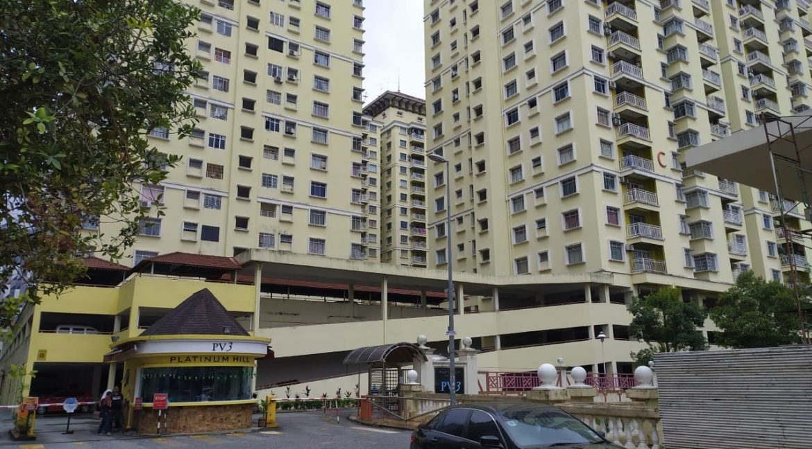 FREEHOLD WELL MAINTAINED HIGH FLOOR PV3 UNIT WITH BALCONY FACING OPEN (1)